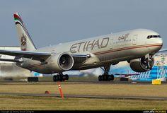 A6-ETI - Etihad Airways Boeing 777-300ER at Everett - Snohomish ...