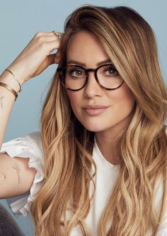 Hilary Duff just launched her new glasses collection. Find your perfect pair exc… Braided Hairstyles, Wedding Hairstyles, Cool Hairstyles, Black Hairstyles, Hairstyle Ideas, Famous Hairstyles, 1950s Hairstyles, Wavy Haircuts, Pixie Haircut