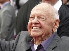 Mickey Rooney: Hollywood-Legende war der ewige Lausbub - Mickey Rooney, Comedy-Darsteller und Ehrenoscar-Preisträger, ist im Alter von 93 Jahren in Los Angeles gestorben. Mehr dazu hier: http://www.nachrichten.at/nachrichten/kultur/Mickey-Rooney-Hollywood-Legende-war-der-ewige-Lausbub;art16,1352484 (Bild: Reuters)