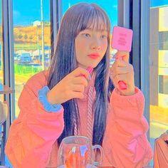 Aesthetic Indie, Aesthetic Girl, Anime Best Friends, Red Velvet Joy, Black Pink Kpop, Cute Patterns Wallpaper, Blackpink Photos, Kpop Guys, Indie Kids