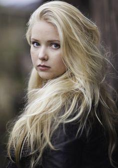 Stylish Senior Photography | The eyes have it / blond hair, portrait, senior photography
