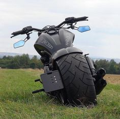 🎳 - Bike's - Motos Chopper Motorcycle, Moto Bike, Motorcycle Design, Women Motorcycle, Vrod Harley, Harley Bikes, Custom Street Bikes, Custom Bikes, Vrod Custom