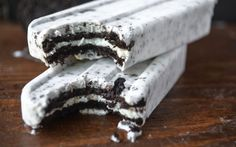 Who doesn't love Oreos? You are about to love them even more when you see all of these Outrageous Oreo Recipes! From simple, no-bake recipes and elaborate, over-the-top delights to a few recipes featuring Oreos for breakfast, your mouth is going to be wat Coconut Milk Popsicles, Coconut Milk Recipes, Homemade Popsicles, Canned Coconut Milk, Coconut Cream, Frozen Desserts, Frozen Treats, Oreo Desserts, Plated Desserts