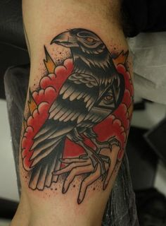 The crow and the lightning on this tattoo are very powerful and mighty