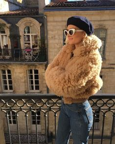French Girls Won't Touch These Current Trends - Winter Fashion Style Année 80, Mode Style, Vintage Mode, Look Vintage, Mode Outfits, Fashion Outfits, Womens Fashion, Fashion Trends, Workwear Fashion