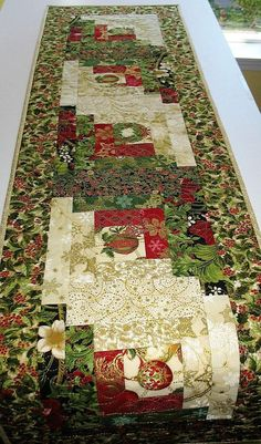 Your place to buy and sell all things handmade Christmas Runner, Cozy Christmas, Rustic Christmas, Christmas Crafts, Christmas Quilting, Table Runner And Placemats, Quilted Table Runners, Skinny Quilts, Log Cabin Quilts