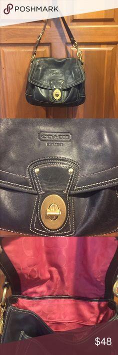 Coach shoulder bag. My all time favorite classic coach shoulder bag. Soft leather, beautiful shape & excellent pink interior. 😍 Bags Shoulder Bags