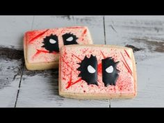 Click here to learn how to decorate awesome Deadpool sugar cookies!