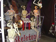 Band of skeletons; The Skeletones
