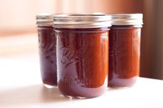 Paleo-friendly Barbecue Sauce - Save money by making your own!