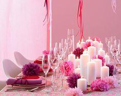 Die Masse macht die Klasse  - Tischdeko mit Kerzen. Und ganz ohne BLumen. Papierblüten sind einfach zu basteln und in jeder Farbe umsetztbar.