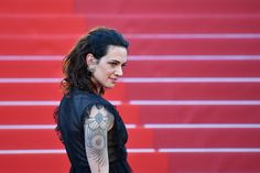 The actress and director Asia Argento, among the first women to publicly accuse Harvey Weinstein, arranged to pay an actor after he said she sexually assaulted him when he was documents show. Hollywood Actor, Hollywood Celebrities, Asia Argento, Parts Unknown, Harvey Weinstein, Latest World News, News Latest, Reportage Photo, Old Singers