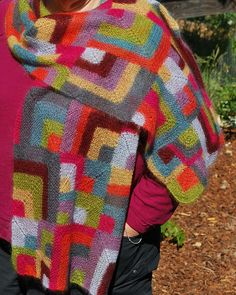 Modern quilt wrap by Mags Kandis - modular knitted, one colour at a time! free pattern at http://www.ravelry.com/patterns/library/modern-quilt-wrap