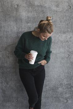 Ravelry: No Frills Sweater pattern by PetiteKnit Raglan Pullover, Fair Isles, Sweater Knitting Patterns, Knit Sweaters, Knitting Ideas, Knitting Stitches, Summer Knitting, Work Tops, Stockinette