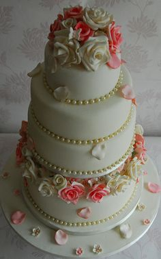 Roses and Pearls wedding cake.