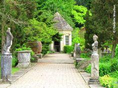 english gardens photos | ... Gardener: Iford Manor - Harold Peto's intriguing English garden