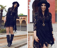 Yeswalker Boots, Aloha Helsinki Claw Necklace, Sheinside Dress, Romwe Vest