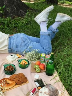 Comida Picnic, Picnic Date, Fall Picnic, Spring Aesthetic, Summer Bucket Lists, Aesthetic Food, Aesthetic Outfit, Aesthetic Clothes, Brunch