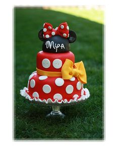Mini Mouse birthday cake I would do a black bow instead of yellow
