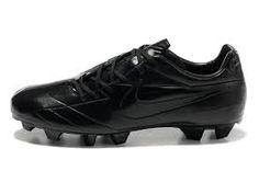 Bildresultat för svarta fotbollsskor