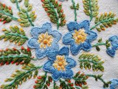 Vintage-Hand-Embroidered-Linen-Tablecloth-RAISED-BLUE-MAUVE-FLORA-38-X-42