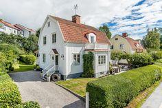 Classic 30th century wooden villa