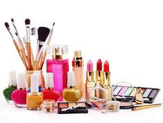 Vigila tus cremas y maquillajes porque también caducan