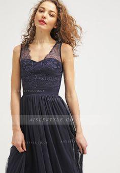 Long Sleeveless V Neck A-line Navy Lace Tulle Evening Dress