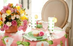 Savannah Style: A Spring Table for Two from Paula Deen. Great inspiration for a spring lunch. Paula Deen, Beautiful Table Settings, French 75, Creative Decor, A Table, Porch Table, Garden Inspiration, Savannah Chat, Tablescapes
