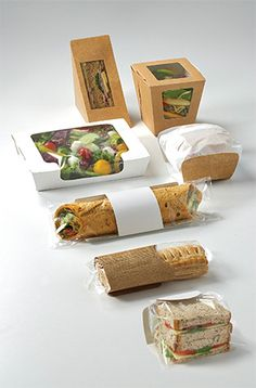 Diy Party Food, Party Food Buffet, Party Food Platters, Sandwich Packaging, Fruit Packaging, Food Packaging Design, Delivery Comida, Herbalife Shake Recipes, Cafeteria Food