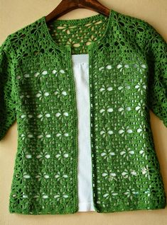 Cardigan crochet vert Kingdom Crochet Kingdom - Cardigan crochet vert Kingdom Crochet Kingdom Vous êtes à la bonne adresse pour diy crafts Nous re - Gilet Crochet, Crochet Cardigan Pattern, Crochet Blouse, Crochet Shawl, Crochet Stitches, Knit Crochet, Lace Cardigan, Diy Crochet Patterns, Sewing Patterns