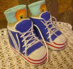 Free pattern for 'Baby High-top Sneakers'...lots of patterns for these going around, but this is a good one!.