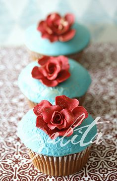 aqua and red cupcakes..I will make these for you@Lauren Thomas