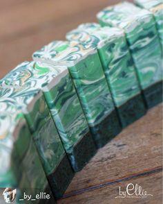 """#bubblelove from @_by_ellie -  Our """"Sancha Tea"""" soap exfoliate gently the skin with its organic Sansha tea leaves from Japan!  A little luxury no one should do without  link in bio for more details ----------------- Notre savon """"Sancha Tea"""" est fait avec des feuille organique de thé Sancha provenant du Japon.  Un exfoliant de luxe pour la peau!  lien en bio pour plus d'infos  #handmadesoap #welovejapan #soapbyellie - #4theloveofbubbles"""