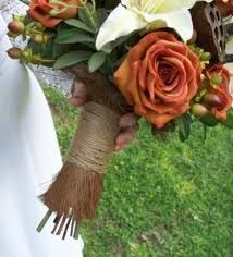 bouquet- green, brown, cream, red/orange tones @Joey Ceunen Ceunen Jensen-Kloss - I like how this is put together with the burlap and twine