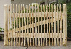 Advice on everything gardening Garden Fencing, Herb Garden, Vegetable Garden, Fence Gate, Fences, Potager Bio, Garden Features, Wooden Garden, Dahlia