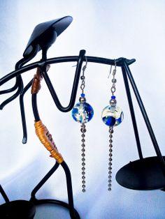 http://www.tibadesign.com Boucles d'oreilles Perles en verre et chaîne argentée