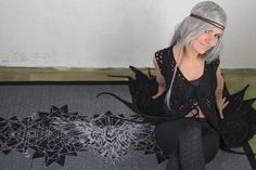 Cyber Goth Silver Crow Blanket and Shawl. The perfect Goth Decor Picnic Blanket and Scarf for Sith Raven Cosplay with amazing Crow Print Our Crow Blanket Scarf if its getting cold again in the outdoor festival season ;) Perfect as accessory to create a look like Assassins Fashion , Dark Mori or Festival Outfits, Festival Fashion, Jedi Outfit, Raven Cosplay, Pixie Outfit, Dystopian Fashion, Cyberpunk Clothes, Witch Dress, Blanket Shawl