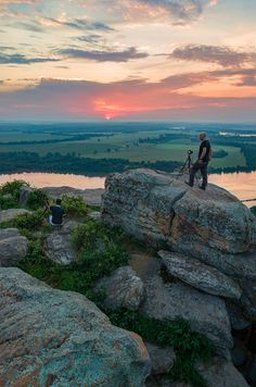 Stout Point, Petit Jean State Park, Morrliton Arkansas Free Travel, Travel Usa, The Places Youll Go, Places To See, Petit Jean State Park, Mountain Music, Travel Vlog, Weekend Trips, State Parks