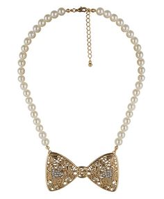 bow pendent necklace...so pretty! $6 ♥forever21.com♥