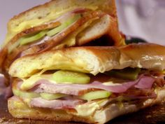 Cubano sandwich with quick, easy homemade pickles from Melissa d'Arabian Cubano Recipe, Sandwich Cubano, Food Network Recipes, Cooking Recipes, Kitchen Recipes, Pork Recipes, Cooking Ideas, Yummy Recipes, Healthy Recipes