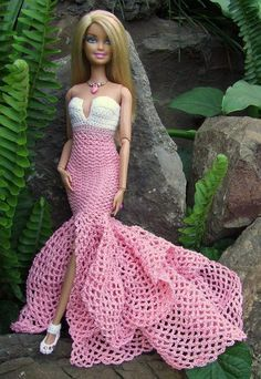 crochet barbie doll clothes for beginners Crochet Barbie Patterns, Crochet Doll Dress, Barbie Clothes Patterns, Crochet Barbie Clothes, Dress Patterns, Fashion Dolls, Fashion Outfits, Fashion Clothes, Barbie Mode
