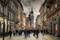 Na ulicy Floriańskiej w Krakowie zawsze tłum / Floriańska Street , Cracow ##canon##canon80D ##80D ##eos80D ##kraków ##krakow##cracow ##małopolska ... - Paweł Siwadłowski - Google+