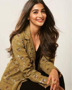 Pooja Hegde Beautiful Bollywood Actress, Most Beautiful Indian Actress, Beautiful Actresses, Men's Fashion, Fashion Week, Winter Fashion, Fashion Dresses, Indian Celebrities, Bollywood Celebrities