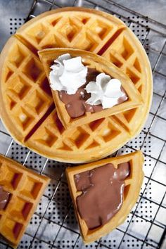 Waffle version 2 (no butter) Sweet Cookies, Cake Cookies, Bakery Recipes, Cookie Recipes, Fun Desserts, Dessert Recipes, Sweet Like Candy, Hungarian Recipes, Healthy Fruits