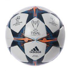 Experimenta la adrenalina y la calidad con el Balón Oficial Adidas de Juego Final UCL 2014, el cual es un balón exactamente igual al oficial que se utilizará en la final de la gran UEFA Champions League 2014.