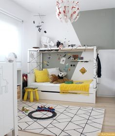 Dormitorios infantiles. Ideas para decorarlos.  Decoración amarillo, gris. Decoración infantil. Cama personalizada Ideas Para, Toddler Bed, Furniture, Home Decor, Yellow, Child Bed, Interior Design, Home Interior Design, Arredamento