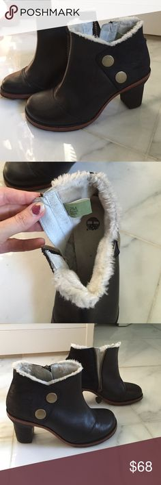 Timberland booties Re posh- got off here about two weeks ago. I'm just not a fan of round toe boots :(. Great used condition. Fur inside to the seam of the front of the boot. Side zippers. Barely worn from previous owner. Smoke free home Timberland Shoes Ankle Boots & Booties
