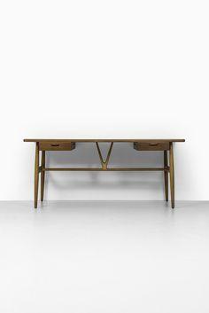 Hans Wegner wishbone desk by Johannes Hansen at Studio Schalling