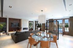 Dream House Overlooking the Mediterranean Sea: Can Siurell Villa